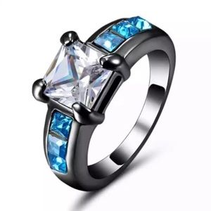 Beautiful blue and white sapphire ring
